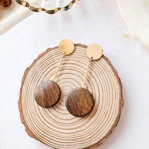 Jewelry - New🎉 Wooden Pendant Drop Earrings